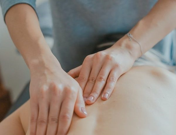 What kind of conditions and injuries does massage therapy treat?