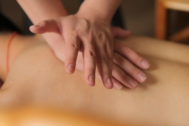 massage helps sore muscles