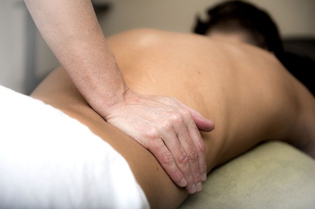 physiotherapy compares massage therapy